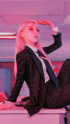 Check out Mamamoo @ Iomoio South Korean Girls, Korean Girl Groups, K Pop, My Girl, Cool Girl, Divas, Wheein Mamamoo, Solar Mamamoo, Doja Cat