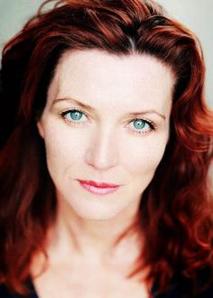 Michelle Fairley is Lady Catelyn Stark  http://coedmagazine.com/2013/03/29/the-girls-of-game-of-thrones-photos/