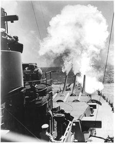 USS North Carolina fires guns directly ahead during her military trials, 26 or 27 August Naval History, Military History, Uss Oklahoma, Uss North Carolina, Diesel, Us Battleships, Gun Turret, Heavy Cruiser, Capital Ship