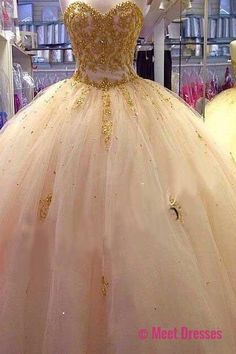 quinceanera dresses,Beautiful Gold Applique Ball Gown Quinceanera Dresses Sweetheart Tulle Puffy Prom Pageant Dresses for 15 16 Years. PD20188142