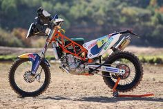 The new Red Bull KTM Factory Rally bike has evolved from information gathered over the last 12 years where KTM has enjoyed consecutive Dakar Rally wins, and the bike is. Ktm 450, New Ktm, Ktm Factory, Rally Raid, Motocross Bikes, Bike Design, Cars And Motorcycles, Motorbikes, Racing