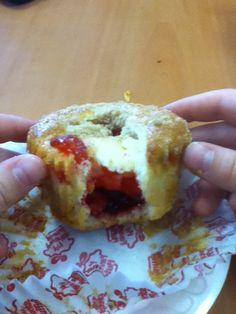 Cherry cheesecake muffin, yummy!