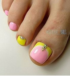 French Pedicure Designs, Toe Nail Designs, Simple Nail Designs, Pedicure At Home, Pedicure Ideas, Nail Ideas, Simple Toe Nails, Painted Toe Nails, White And Blue Flowers