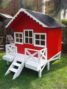 Beautiful houses made of wood for children. We have a catalog of 25 models of houses for all tastes and budgets. The cottages are made in treated wood for outdoor latex paint ideal for interperie. Outside Playhouse, Pallet Playhouse, Backyard Playhouse, Garden Furniture Design, Cool Tree Houses, Kids Bunk Beds, Backyard For Kids, Outdoor Sheds, Little Houses