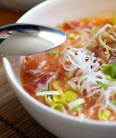 Není nic lepšího, než si v zimě dát mísu kouřící polévky. A právě ty v asijském stylu mají ještě něco navíc. Tofu, Chili, Meals, Recipes, Asia, Chile, Meal, Recipies, Ripped Recipes