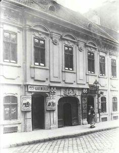 1900 körül. Síp utca 9.