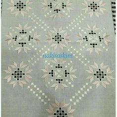 This Pin was discovered by Neş Hardanger Embroidery, Folk Embroidery, Beaded Embroidery, Embroidery Stitches, Embroidery Patterns, Bordado Popular, Different Stitches, Drawn Thread, Brazilian Embroidery