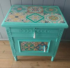 Color Calipso, Adhesive Tiles, Hope Chest, Ideas Para, Painted Furniture, Storage Chest, Decorative Boxes, Cabinet, Home Decor