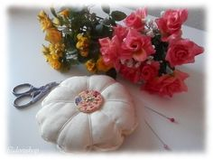 cuscino punta spilli fiori di primavera di filidoroshop su Etsy