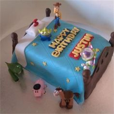 Toy Story cake with toy toppers : Boys birthday cake