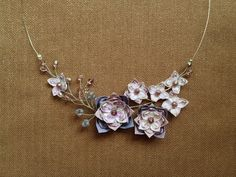 This paper origami necklace is beautiful!