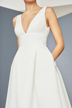 Wedding Dress For Short Women, Wedding Dress With Pockets, V Neck Wedding Dress, Elegant Dresses For Women, Fit And Flare Wedding Dress, Luxury Wedding Dress, Long Sleeve Wedding, White Wedding Dresses, Elegant White Dress
