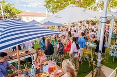 The @societybne Rooftop Bar at Eagle Farm Racecourse is back for Saturday afternoons in April - and the punch bowls are on us! For $69 you'll enjoy two hours of free-flowing Chandon sparkling Aperol Spritz rosé beer charcuterie platters and live DJs and for the first 25 tickets purchased for April 7 using the code STYLE youll get a free Aperol Autumn punch bowl! #thesocietybne #aperolspritz #rooftopbar #eaglefarmracecourse #chandonsparkling #rose #charcuterie #brisbaneevents #rooftop #autumn…