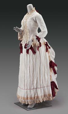 1870s Fashion, Victorian Fashion, Vintage Fashion, Vintage Dresses, Vintage Outfits, Bustle Dress, 19th Century Fashion, Antique Clothing, Historical Clothing