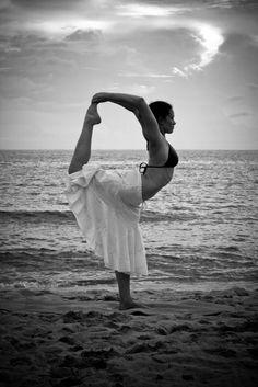 beautiful yoga, #beautiful, #yoga, #beautifulyoga, dancer, beach, ocean