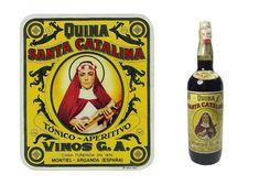 """Quina Santa Catalina es un vino dulce de 15º que en los años 40, 50 y 60 se administraba a los niños, cuando mostraban decaimiento o estaban desganados, como remedio casero. Incluso si se llamaba al medico de cabecera era costumbre que este les recetara una copita de quina antes de las comidas y si era necesario algun jarabe específico. La publicidad de esta bebida decia: """"Quina Santa Catalina, es medicina y es golosina"""" y como tal se aceptaba y administraba."""