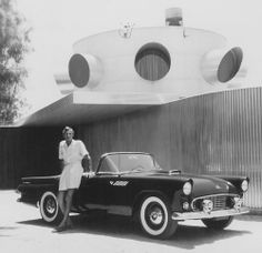 Designed by Albert Frey (shown here) and located in Palm Springs is Frey House I. Completed in Photo: Shulman / Getty Palm Springs, Albert Frey, Retro Images, Mid Century House, Mid Century Design, Image Photography, Modern Architecture, Mid-century Modern, Pop Culture
