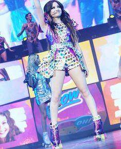 #SoyLunaEnCincierto Dove Cameron, Sou Luna Disney, New Disney Channel Shows, Selena Gomez, Kylie Jenner, Cute Girl Drawing, Skate Girl, Cimorelli, Son Luna
