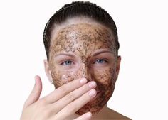 Coffee can be an exfoliant by itself and in combination with other ingredients. Good coffee grounds face scrub recipe is a blend of coffee with sea salt. Salt Scrub Recipe, Salt Face Scrub, Coffee Face Scrub, Sea Salt Scrubs, Olives, Brush Cleanser, Lip Scrub Homemade, Homemade Face Masks, Facial Scrubs