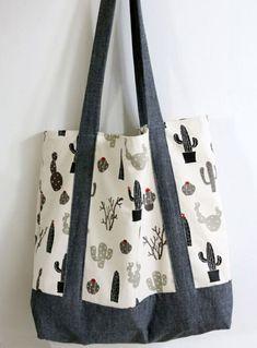 einfache tasche nähen mit innenfutter große handtasche aus beige und grauem stoff Scrap Fabric Projects, Fabric Scraps, Sewing Tutorials, Sewing Crafts, Hot Pads, Couture, Crafts To Sell, Tote Bag, How To Make