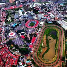 El Hipódromo Presidente Remón, la arena Roberto Durán, la piscina Aylin Coparropa y el estadio Romel Fernandez. Foto  via aérea.