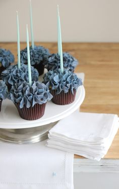 Jenny Steffens Hobick: Blue Hydrangea Cupcakes for Summer