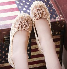 Double flower sweet princess lace flats shoes #lace #flats www.loveitsomuch.com