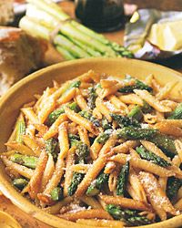Penne with roasted asparagus and balsamic butter. use loprofin penne to make low pro.