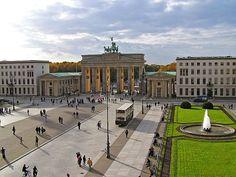 2005 Berlin - Brandenburger Tor und Pariser Platz (Foto: Axel Mauruszat) ☺