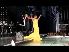 ▶ Dame Shirley Bassey - The Show Must Go On - YouTube