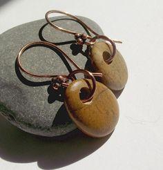 Beach jewelry ear rings. Pebble drop ear rings. by oceangifts, $15.99
