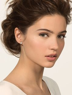 Get the Picture-Perfect Wedding Look with Bobbi Brown's Bridal Makeup Essentials Collection Wedding Makeup Tutorial, Wedding Makeup Tips, Natural Wedding Makeup, Wedding Hair And Makeup, Natural Makeup, Hair Makeup, Soft Bridal Makeup, Simple Wedding Makeup, Make Up Braut
