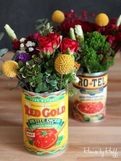 in Tin Cans Great Cinco De Mayo Idea! Flowers in a Tomato Can via House by Cinco De Mayo Idea! Flowers in a Tomato Can via House by Baby Shower, Mexican Fiesta Party, Mexican Brunch, Mexican Desserts, Mexican Recipes, Fiestas Party, Flower Arrangements Simple, Table Arrangements, Deco Floral