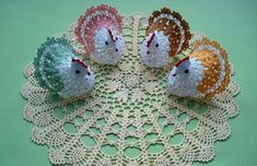 Irish lace, crochet, crochet patterns, clothing and decorations for the house, crocheted. Easter Crochet, Knit Crochet, Crochet Chicken, Easy Video, Irish Lace, Easy Knitting, Crochet Accessories, Christmas Angels, Diy