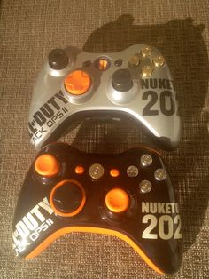 CUSTOM PAINTED XBOX 360 CONTROLLER. Made by my baby. :)