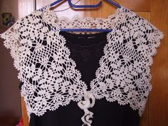 Free Crochet Bolero Pattern i have done this one in black and one in violet and another one flashy green simple to do but you must think to integrate each another when you finished the last rang Crochet Bolero Pattern, Crochet Collar, Crochet Cardigan, Crochet Shawl, Crochet Top, Crochet Simple, Crochet Patterns For Beginners, Lace Patterns, Crochet Edgings