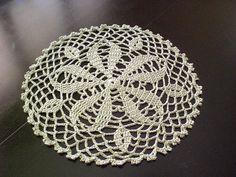 Ravelry: Round Doily pattern by Mayumi Kawai (河合真弓)