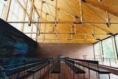 Capilla en Otaniem. Kaija y Heikki Siren Contemporary Architecture, Landscape Architecture, Interior Architecture, Interior Design, Siren Design, Wood Structure, Furniture Design, Stairs, Modern