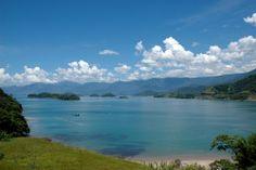Praia do Sono - RJ, na cidade de Parati, o que não faltam são praias praticamente isoladas.