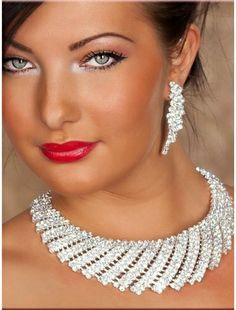 Precious Shell Rhinestone-Necklace and Earrings | Necklace | Jewelery | StringsAndMe