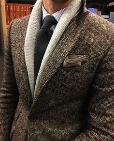 How to wear: beige shawl cardigan, brown wool blazer, light violet vertical striped dress shirt, charcoal wool tie Sharp Dressed Man, Well Dressed Men, Mens Fashion Suits, Mens Suits, Suit Men, Fashion Menswear, Style Costume Homme, Vertical Striped Dress, Style Masculin