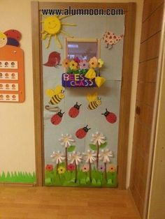 Window decoration ideas for classroom ideas para la en a school window window decoration ideas for . window decoration ideas for classroom Decoration Creche, Class Decoration, Classroom Door, Classroom Themes, Diy And Crafts, Crafts For Kids, Paper Crafts, School Door Decorations, School Doors