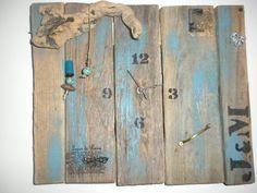 pendule en bois flotté / driftwood clock