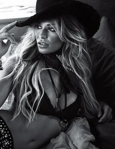 Samantha Hoopes goes Western on the cover of Venice Magazine - Swim Daily - SI.com