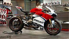 ♛ #GaudaGoldFinds ♛ Ducati Zaltbommel Panigale