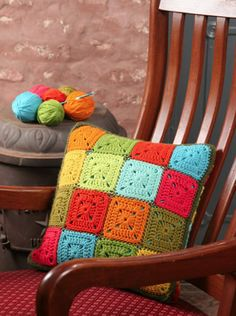 03 - Almohadón. Tonos en armonía - Deco Crochet