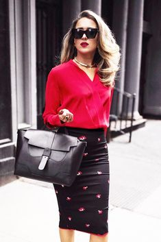 This article contains the best spring work outfits. These outfits are stylish, modern and most importantly totally new Comfy Work Outfit, Stylish Work Outfits, Spring Work Outfits, Office Outfits, Classy Outfits, Dress Code, Womens Fashion For Work, High Fashion, Style Fashion