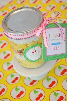 birthday favors, cupcake in a jar