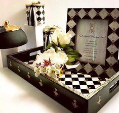 Handpicked Wedding Invitation Ideas You Can Go For. Acrylic Wedding Invitations, Handmade Wedding Invitations, Wedding Invitation Cards, Wedding Cards, Invitation Card Design, Invitation Ideas, Virtual Card, Big Fat Indian Wedding, D Day