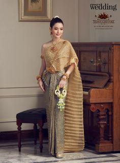 Traditional Thai Clothing, Traditional Fashion, Traditional Dresses, Traditional Wedding, Thai Wedding Dress, Wedding Dress Styles, Thailand Costume, Beautiful Dresses, Nice Dresses